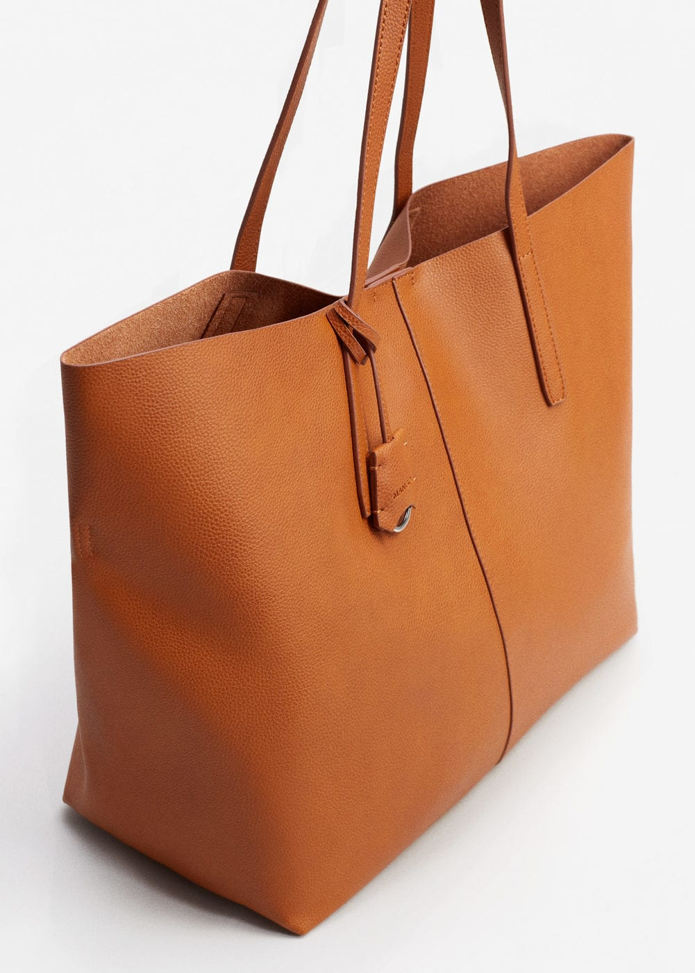 Mango tote—in search of the perfect travel bag